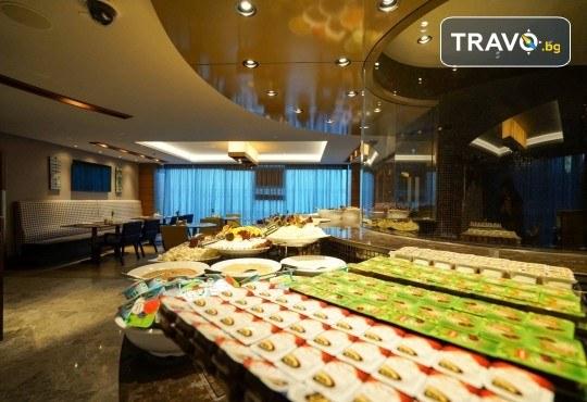 Фестивал на лалето в Истанбул! 2 нощувки със закуски в Golden Tulip Istanbul Bayrampasa 5*, транспорт от Варна и Бургас и трансфер до Емирган парк - Снимка 12