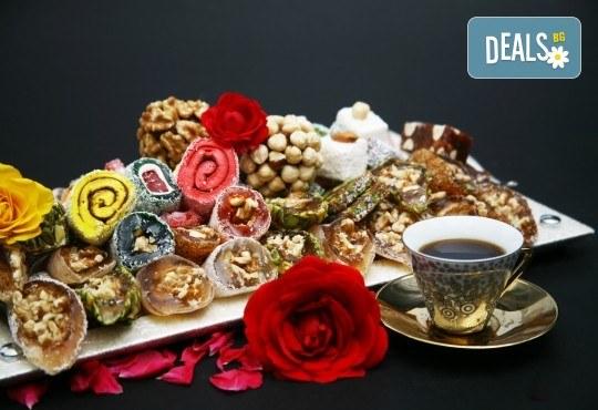 За Великден и Фестивала на лалето в Истанбул! 3 нощувки със закуски, транспорт, посещение на Одрин - Снимка 12