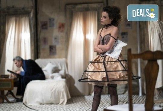 Гледайте Лилия Маравиля и Ириней Константинов в Развратникът на 12.02. от 19 ч., Театър София, билет за един - Снимка 5