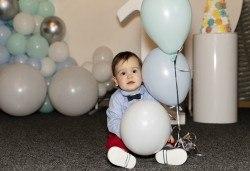 Запечатайте празничните моменти! Заснемане на рожден ден или семеен празник до 1:30 ч. от Фото Студио Амели - Снимка
