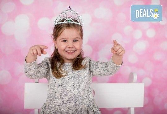 Професионална детска или семейна фотосесия по избор, в студио или външна и обработка на всички заснети кадри от Chapkanov Photography - Снимка 21