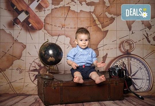 Професионална детска или семейна фотосесия по избор, в студио или външна и обработка на всички заснети кадри от Chapkanov Photography - Снимка 37