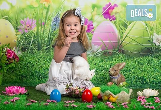 Професионална детска или семейна фотосесия по избор, в студио или външна и обработка на всички заснети кадри от Chapkanov Photography - Снимка 11