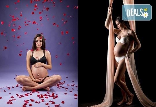 60-минутна фотосесия за бременни в студио с включени аксесоари, дрехи и ефекти + обработка на всички заснети кадри, от Chapkanov photography - Снимка 2
