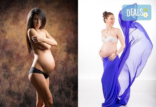 60-минутна фотосесия за бременни в студио с включени аксесоари, дрехи и ефекти + обработка на всички заснети кадри, от Chapkanov photography - Снимка 4