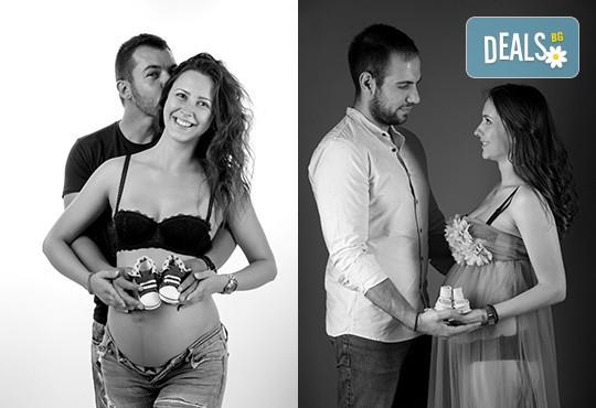 60-минутна фотосесия за бременни в студио с включени аксесоари, дрехи и ефекти + обработка на всички заснети кадри, от Chapkanov photography - Снимка 6