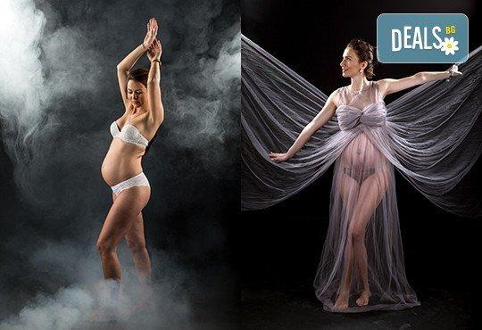 60-минутна фотосесия за бременни в студио с включени аксесоари, дрехи и ефекти + обработка на всички заснети кадри, от Chapkanov photography - Снимка 9