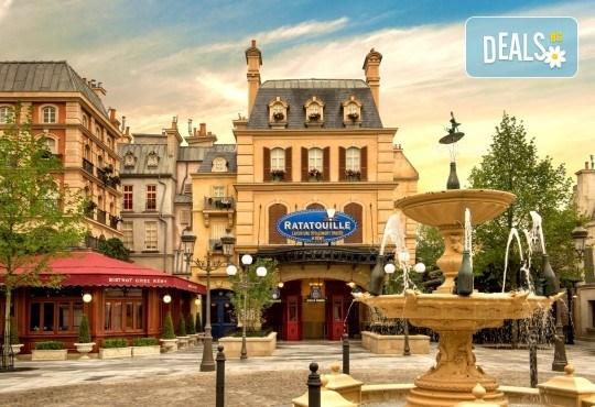 Екскурзия за Деня на детето в Дисниленд! 3 нощувки със закуски, самолетен билет, трансфери, водач и бонус: обиколка на Париж - Снимка 4