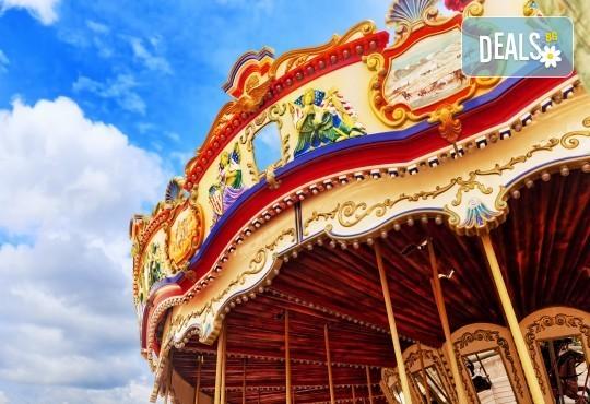 Екскурзия за Деня на детето в Дисниленд! 3 нощувки със закуски, самолетен билет, трансфери, водач и бонус: обиколка на Париж - Снимка 5