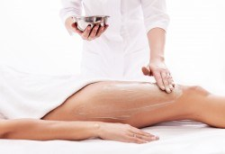 Красива фигура! Антицелулитен масаж на бедра, седалище и корем - 1 или 5 процедури, в студио за красота Нова - Снимка