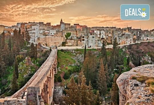 Екскурзия до Южна Италия през май! 5 нощувки със закуски в Бари и Неапол, самолетен билет и трансфери, водач от Дари Травел - Снимка 5