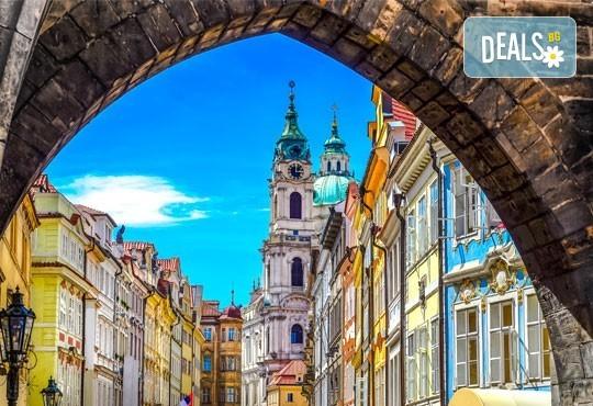 Първа пролет в Прага! 2 нощувки със закуски в хотел 3+, самолетен билет с включен багаж + пешеходна обиколка с екскурзовод на български - Снимка 8