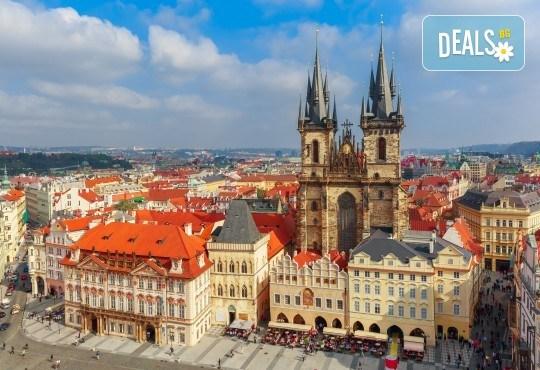 Първа пролет в Прага! 2 нощувки със закуски в хотел 3+, самолетен билет с включен багаж + пешеходна обиколка с екскурзовод на български - Снимка 2