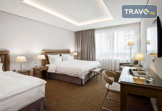 Великден в Златна Прага! 4 нощувки със закуски в Hotel Royal Prague 4*, самолетен билет и трансфери, пешеходни обиколки с екскурзовод на български - Снимка 17
