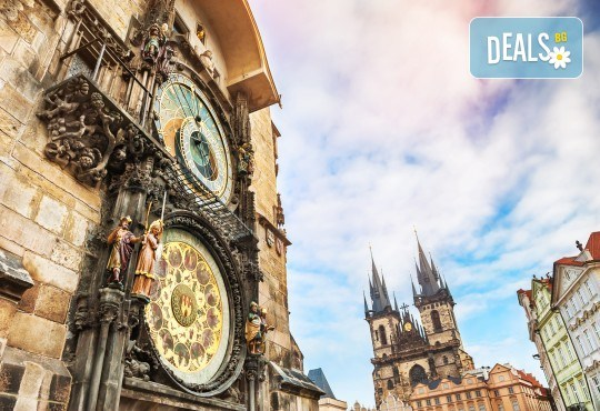 Великден в Златна Прага! 4 нощувки със закуски в Hotel Royal Prague 4*, самолетен билет и трансфери, пешеходни обиколки с екскурзовод на български - Снимка 11