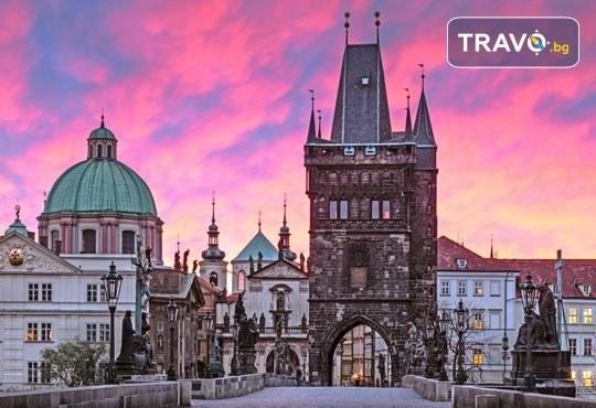 Великден в Златна Прага! 4 нощувки със закуски в Hotel Royal Prague 4*, самолетен билет и трансфери, пешеходни обиколки с екскурзовод на български - Снимка 9