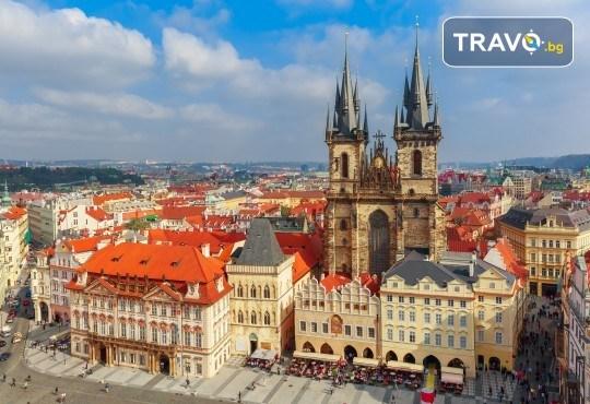 Великден в Златна Прага! 4 нощувки със закуски в Hotel Royal Prague 4*, самолетен билет и трансфери, пешеходни обиколки с екскурзовод на български - Снимка 3