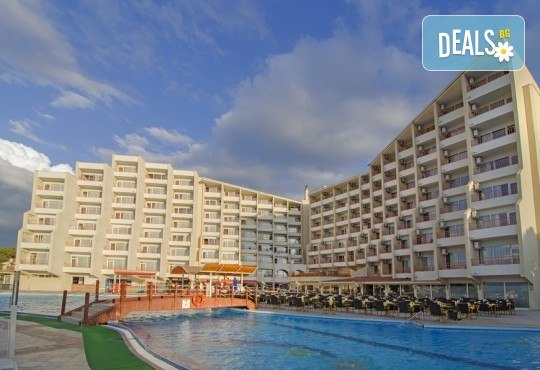 Почивка на супер цена през юни в Sea Pearl Hotel 4*, Кушадасъ! 7 нощувки на база All Inclusive, възможност за транспорт - Снимка 2