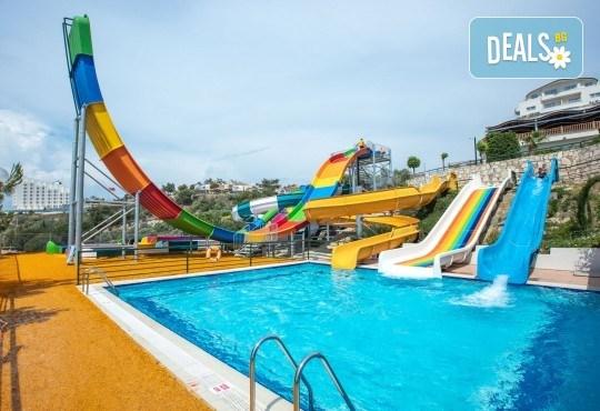 Ранни записвания за почивка през септември или октомври в Otium Sealight Resort 5* (ex. Sea Light Hotel 5*) в Кушадасъ! 7 нощувки на база All Inclusive, възможност за транспорт - Снимка 10