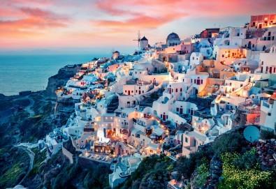 Ранни записвания за романтична почивка на остров Санторини! 4 нощувки със закуски, транспорт и представител на Далла Турс - Снимка