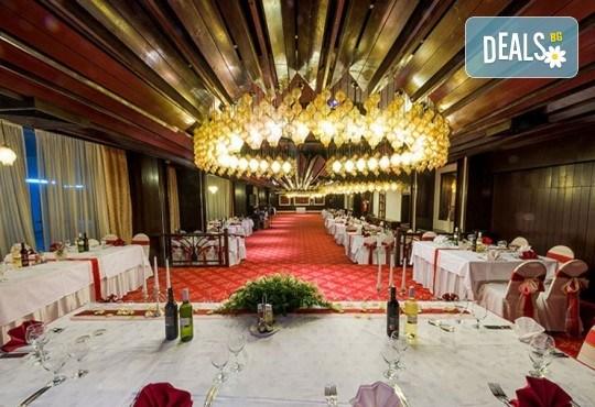 Екскурзия за 8-ми март до Скопие! 1 нощувка със закуска в Hotel Continental 4*, транспорт и екскурзоводско обслужване - Снимка 10