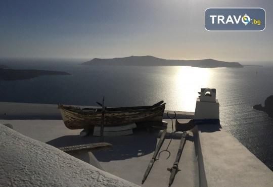 Посрещнете Великден на романтичния остров Санторини! 4 нощувки със закуски в хотел 3*, транспорт и водач от Данна Холидейз - Снимка 11