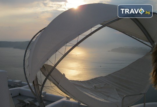 Посрещнете Великден на романтичния остров Санторини! 4 нощувки със закуски в хотел 3*, транспорт и водач от Данна Холидейз - Снимка 14