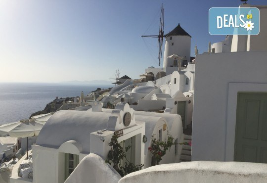 Посрещнете Великден на романтичния остров Санторини! 4 нощувки със закуски в хотел 3*, транспорт и водач от Данна Холидейз - Снимка 8
