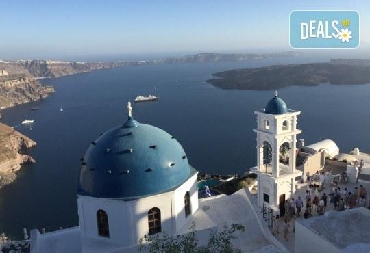 Посрещнете Великден на романтичния остров Санторини! 4 нощувки със закуски в хотел 3*, транспорт и водач от Данна Холидейз - Снимка 10