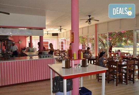 Ранни записвания за почивка на остров Корфу! 4 нощувки със закуски и вечери в Pink Palace Beach Resort, транспорт и водач от Данна Холидейз - Снимка 12