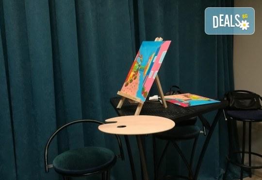 Серия картини Пълнолуние и На слънце! Рисуване на една или две картини /серия/ + чаша вино в творческа среда и много приятели в Пух арт студио - Снимка 5