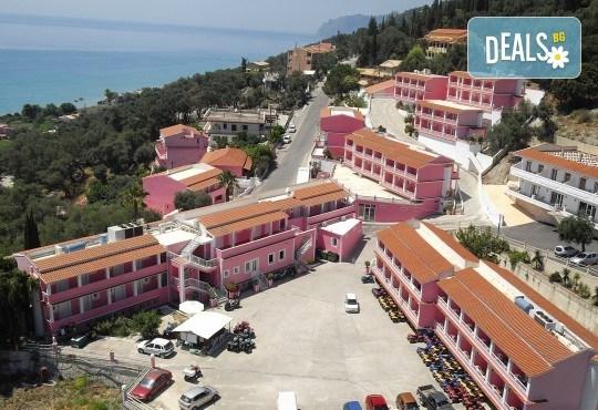 Посрещнете Великден на остров Корфу! 4 нощувки със закуски и вечери в Pink Palace Beach Resort, транспорт и водач от Данна Холидейз - Снимка 7