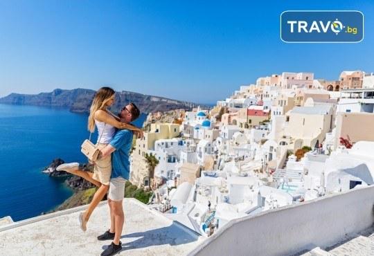 Романтична почивка през лятото на остров Санторини! 4 нощувки със закуски в хотел 3*, транспорт и водач от Данна Холидейз - Снимка 1