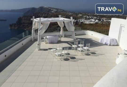Романтична почивка през лятото на остров Санторини! 4 нощувки със закуски в хотел 3*, транспорт и водач от Данна Холидейз - Снимка 12