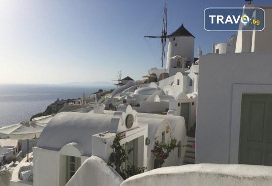 Романтична почивка през лятото на остров Санторини! 4 нощувки със закуски в хотел 3*, транспорт и водач от Данна Холидейз - Снимка 8