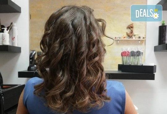 Масажно измиване, терапия за коса, подстригване по избор и прическа със сешоар в Студио за красота Vanity - Снимка 6