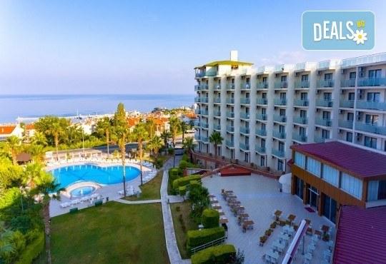 Ранни записвания за лятна почивка в L'Ambilance Royal Palace Hotel 4*, Кушадасъ! 7 нощувки на база All Inclusive, възможност за транспорт - Снимка 2