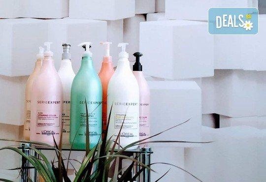 Подмладяващ масаж 3 в 1 на лице, деколте и шия + маска с колаген и водорасли и линфодренаж в студио за красота Нова - Снимка 7