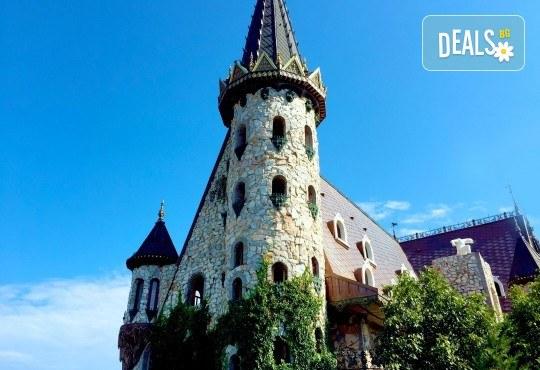 Вход за замъка в Равадиново край Созопол и посещение на арт галерия - Снимка 7