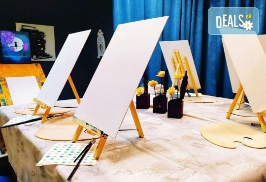 В цветовете на любовта! Рисуване и вино: картина с акрил, метод стъпка по стъпка + чаша вино в Пух арт студио - Снимка 14