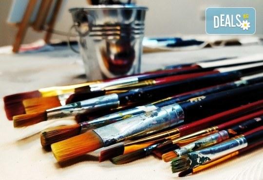 В цветовете на любовта! Рисуване и вино: картина с акрил, метод стъпка по стъпка + чаша вино в Пух арт студио - Снимка 17