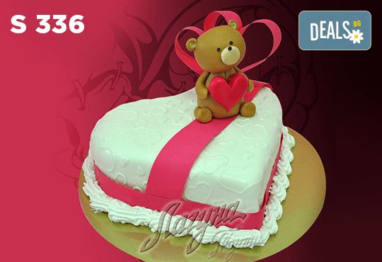 """Подарете уникална бутикова торта """"Романтично сърце"""" на любимия човек в цвят и вкус по желание, от сладкарница Лагуна! - Снимка 2"""