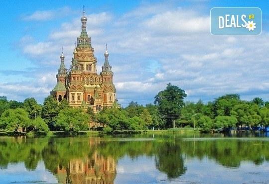 Опознайте Москва и Санкт Петербург с Онекс Тур! Самолетна екскурзия със 7 нощувки и закуски, билет и трансфери, посещение на Петерхоф и Кремъл - Снимка 11