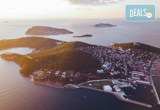 Фестивал на лалето в Истанбул! 2 нощувки със закуски в Park Inn By Radisson Istanbul 5*, транспорт от Варна и Бургас и посещение на Принцовите острови - Снимка 6