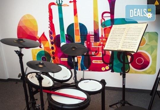 За 1 лв.! Супер промоционален урок по музикален инструмент или пеене в Музикално училище Мелодия! - Снимка 3
