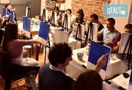 3 часа рисуване на Синева на 08.03. с напътствията на професионален художник, чаша вино и вода в Арт ателие Багри и вино - Снимка 3