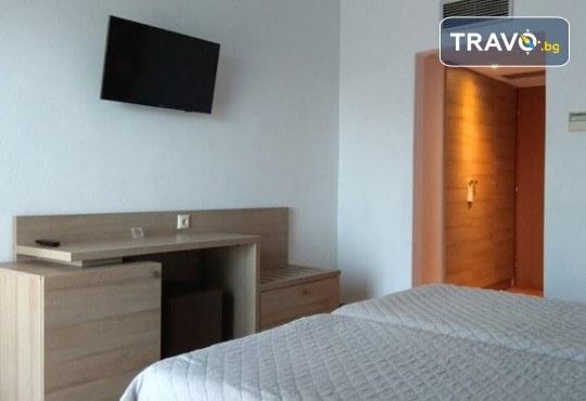 Лятна мини почивка в Кавала! 4 нощувки със закуски и вечери в Hotel Oceanis 3*, транспорт и трансфер до плажовете Амолофи, Неа Ираклица и Каламица - Снимка 12
