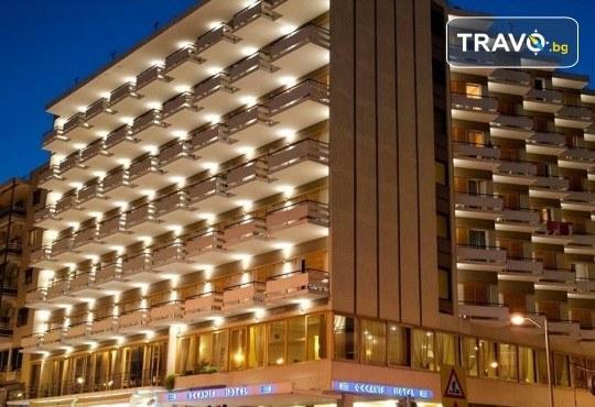 Лятна мини почивка в Кавала! 4 нощувки със закуски и вечери в Hotel Oceanis 3*, транспорт и трансфер до плажовете Амолофи, Неа Ираклица и Каламица - Снимка 10