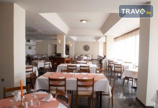 Лятна мини почивка в Кавала! 4 нощувки със закуски и вечери в Hotel Oceanis 3*, транспорт и трансфер до плажовете Амолофи, Неа Ираклица и Каламица - Снимка 13