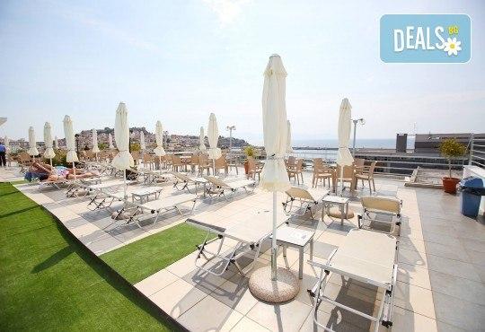 Почивка през лятото в Кавала на супер цена! 7 нощувки със закуски и вечери в Hotel Oceanis 3*, транспорт и трансфер до плажовете Амолофи, Неа Ираклица и Каламица - Снимка 13